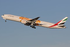 A6-ECD Emirates Boeing 777-36N(ER) (johnedmond) Tags: perth ypph westernaustralia emirates boeing 777 b77w 77w australia aviation aircraft aeroplane airplane airliner expo 2020 plane canon eos7d 7dmkii ef100400mmf4556lisiiusm 100400mm