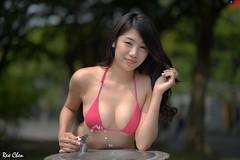 艾森 (玩家) Tags: 2019 台灣 台北 水博館 人像 外拍 正妹 模特兒 比基尼 泳裝 艾森 戶外 定焦 無後製 無修圖 taiwan taipei portrait glamour model girl female bikini eisen outdoor d610 85mm prime