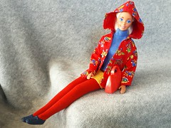 Barbie Pret-A-Porter #2962 from 1991 & 1992 (VintageZealot) Tags: barbie mattel 80s 90s 1980s 1990s 1989 1991 1992 2962 7344 8120 riviera gold coast fashion accessories pretaporter european foreign exclusive vintage retro doll clothing outfit clothes super star superstar malaysia model modelling caucasian tan beach tanned blonde ash velcro purse handbag hand bag knit mini skirt tights runners sneakers running shoes turtleneck shirt top sleeveless pants jacket hoodie red navy blue yellow green periwinkle floral