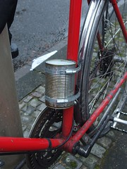Dosenhalter (mkorsakov) Tags: dortmund nordstadt hafen fahrrad bike bicycle halterung mount dose can diy
