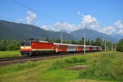 1144 092, SB 4853 ( Lienz > Spittal M.). Spittal a. d. Drau (M. Kolenig) Tags: 1144 schachbrett cityshuttle wolken berg baum