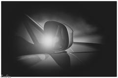 BMW-Rückspiegel / BMW rear-view mirror (Reto Previtali) Tags: black bw blackandwhite symmetrie bmw cars automobilie deutschland brd europa flickr nikon nikkor tamron sonne sonnenschein detail windos fenster art light omd day night nacht coth5