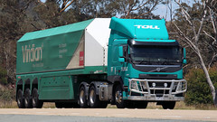 VOLVO Each Way (2/4) (Jungle Jack Movements (ferroequinologist)) Tags: toll linfox coles viridian volvo bowning nsw new south wales kw flt leeton hp horsepower big rig haul haulage freight cabover trucker drive transport carry delivery bulk lorry hgv wagon road highway nose semi trailer deliver cargo interstate articulated vehicle load freighter ship move roll motor engine power teamster truck tractor prime mover diesel injected driver cab cabin loud rumble beast wheel exhaust double b grunt fh 16 fm