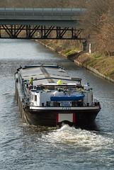 Berlin Teltowkanal Binnenschiff II 18.3.2019 (rieblinga) Tags: berlin lankwitz teltowkanal binnenschiff brücke eisenbahn 1832019 wasser