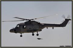 _DSC0847 (damienfournier18) Tags: hélicoptère lynx marinenationale baseaérienne baseaéronavale pilatus phenom eurocopter ec135 militaire aéronef avion aéroport arméedeterre arméedelair hélicoptèredefrance jetdaffaire jetaviation jetprivé aéronautique