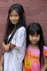 pretty sisters (the foreign photographer - ฝรั่งถ่) Tags: pretty sisters girls children khlong bangkhen bangkok thailand nikon d3200
