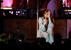 Florence and the Machine 12/09/2018 #16 (jus10h) Tags: florence welch themachine florenceandthemachine theforum forum inglewood losangeles california live music concert festival fest kroq almost acoustic christmas sunday december 9 2018 justinhiguchi sony dscrx10 dscrx10m3