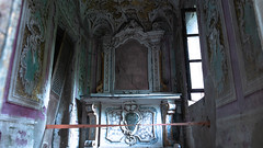 Chapel (Broken Window Theory) Tags: abandoned geocaching decay leftbehind rotten rust urbex travel urbanexploration outdoor italien italy history hidden vintage lostplace forbidden forgotten placehacking architecture trespassing manor mansion castle palace art castellodell'artista