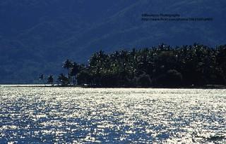 Sumatra, Lake Maninjau, counterlight