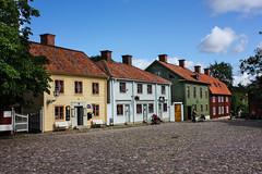 IMG_2760-1 (Andre56154) Tags: schweden sweden sverige haus house holzhaus gebäude building strasse road himmel sky wolke cloud