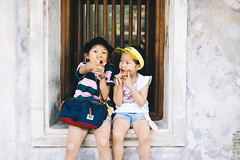 Look Out! (MichelleSimonJadaJana) Tags: color sony ilce7rm3 α a7riii a7r iii full frame emount femount nex fe zeiss batis 40mm f2 402 cf ze4020cf vsco documentary lifestyle snaps snapshot portrait childhood children girl girls kid jada jana bangkok thailand