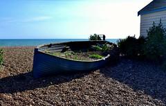 Wondering (giuliaph.) Tags: brighton brightonbay sea boat barca wood rocks mare beach uk uklandscapes unitedkingdom regnounito