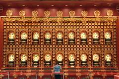 Buddha Tooth Relic Temple, China Town, Singapore (Manoo Mistry) Tags: singapore chinatown buddhist buddhism buddhisttemple buddhatoothrelictemple nikon nikond5500 tamron tamron18270mmzoomlens