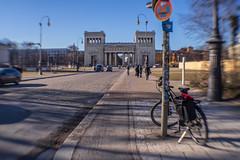 2019 Ride 180: Day 20, February 15 (suzanne~) Tags: 2019bike180 bike bicycle munich bavaria germany königsplatz propyläen lensbaby sweet35