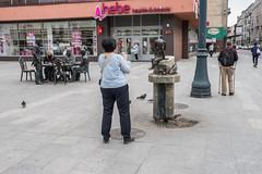 untitled (gregor.zukowski) Tags: lodz łódź street streetphoto streetphotography peopleinthecity candid urban monument colorstreetphoto fujifilm