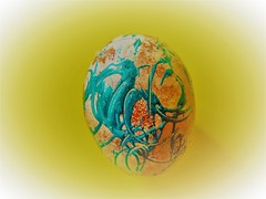 Painted egg (Hannelore_B) Tags: ei egg ostern easter bemaltesei paintedegg minimaleggtic smileonsaturday
