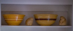 favorite things #1 (Robert Borden) Tags: bowls bears stilllife shelf 50mm 50mmlens 50mmprime primelens 50mmphotography fujifilm fuji fujifilmxt2 suburbia household favorites favoritethings shadow softfocus