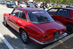 ALFA ROMEO Giulia GT 1300 Junior - 1966 (SASSAchris) Tags: alfa romeo giulia gt 1300 junior voiture italienne trèfle milan 2 tours dhorloge ricard castellet circuit