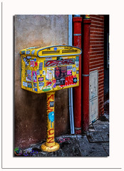 Yellow_Box (** Capo Jean-claude * <°)))) ><) Tags: the magic eye mordus de photos flickr simply amateur photo france superb french toulouse occitanie boites lettres jaunes yellow rue streets hdr hdraward tags graffiti art degrade