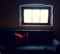 Silence (claudine6677) Tags: fenster window pillow kissen couch stille silence