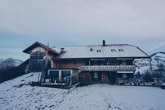 Framehouse (Bephep2010) Tags: 2018 7markiii aeschi aeschibeispiez aeschiried alpha berg herbst holzhaus ilce7m3 sel1635z schnee schweiz sony switzerland autumn fall framehouse mountain snow ⍺7iii kantonbern ch