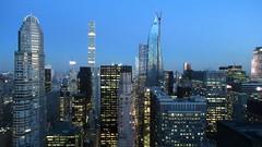 Parce que t'as les yeux bleus (Robert Saucier) Tags: newyork newyorkcity manhattan building architecture gratteciel skyscraper bleu blue ciel sky cityscape img4231 residenceinn marriott nuit nightshot night noflash