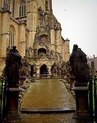 St.Paulus 2 (Phil*ippe) Tags: saint paulus church antwerp blackwhite black white tomb statue angel sword philippus paul