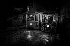 Ascensor da Glória #3 (Hendrik Lohmann) Tags: streetphotography street nightshot nightlife night tram travel electrico ascensor da glória lisboa lissabon lisbon love light people portugal series urban urbanart urbanlife nikon nikondf nikonphotographer blackandwhite bwstreet bnw bw
