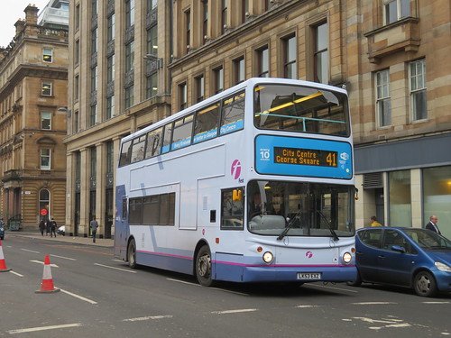 Flickriver: Most interesting photos from First Buses in the UK pool