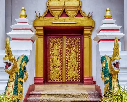 Thatluang Tai Temple