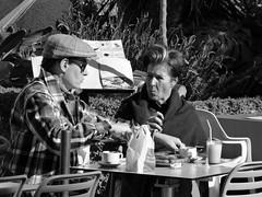 Is het niet lekker ??? (Franc Le Blanc .) Tags: marbella plazadelosnaranjos people terras cafe sit sitting seated