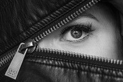 Eye (Erik de Klerck) Tags: eye oog zipper rits vrouw female makeup leather blackandwhite black blackwhite white closeup macro triangle detail eyelashes zwartwit skancheli