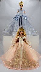 Wedding Aurora and Saks Cinderella Limited Edition 17 inch Dolls (drj1828) Tags: saksfifthavenue cinderella 17inch doll limitededition disney le2500 sleepingbeauty disneystore uk dollset princess aurora le650 wedding ballgown