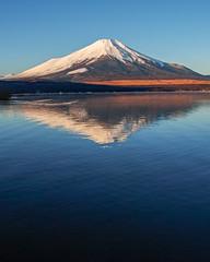 December Fuji at Lake Yamanaka (shinichiro*) Tags: 20181219sdim7445 2019 2018 crazyshin sigmasdquattroh sdqh sigma1770mmf284dcmacrohsm december winter fuji lakeyamanaka yamanashi japan jp 46687200531 candidate