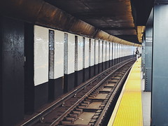 Waiting on the R (kriegs) Tags: nyc brooklyn parkslope prospectavemta vsco teampixel subway mta