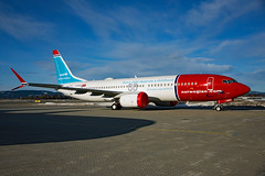 LN-BKC (Skidmarks_1) Tags: boeing7378max lnbkc norwegianairshuttle aviation aircraft airport airliners engm norway osl oslogardermoenairport
