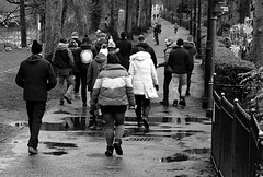 Park Walkers. Jan 2019 (SimonHX100v) Tags: street candid streetphotography streetphoto streetphotographer photography streetstyle urban streetpeople people person groupshot crowd women couple walkers man men male gentlemen gentleman manandwoman menandwomen blackandwhite blackwhite monochrome monotone greyscale grayscale bw bnw ramblers simonhx100v sonyhx100v hx100v sony