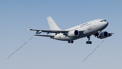 GAF A310MRTT performing a flyby (Nicky Boogaard) Tags: eart2019 eart europeanairrefuelingtraining europeanairrefuelingtraining2019 eindhoven ehv eheh military militaryaviation tankeraircraft tanker eindhovenairport eindhovenairbase germanairforce germany gaf hermannkohl 1025 a310mrtt airbuslovers airbus airbusmilitary luftwaffe flyby