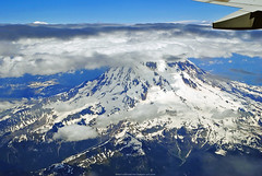 Mt Rainier Stratovolcano (Infinity & Beyond Photography: Kev Cook) Tags: mt mount rainier mountain volcano snow clouds wing window view stratovolcano landscape
