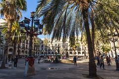 Barcelone-167 (bonacherajf) Tags: barcelona barcelone catalogne catalunya espagne espania spagna plaça lampadaires gaudi plaçareal