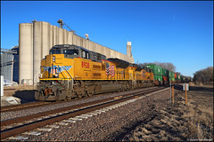 UP 8928 (Justin Hardecopf) Tags: up unionpacific 8928 emd sd70ah sd70ace intermodal stack elevator fremont nebraska railroad train