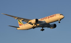Ethiopian ET-AUR, OSL ENGM Gardermoen. (Inger Bjørndal Foss) Tags: etaur ethiopian boeing 787 dreamliner osl engm gardermoen