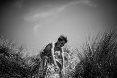 To the ocean (PaxaMik) Tags: ocean atlanticocean atlantique dunes freedom liberté roscoff brittany bretagne plagedesamiets summertime teen beach frenchocean portrait