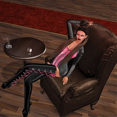 Seated in the Master Chair (parisevermore) Tags: ghee thedarknessevent fashion hourglass lara boots texturechange hudcontrolled suicidalunborn balastice vanityhair blaxium