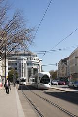 Projet 2019-52 / 12 - Ville (Jérôme Thouvenin) Tags: ville city lyon bâtiment building tramway