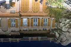 La fontana del palazzo (meghimeg) Tags: 2018 genova fontana fountain acqua water riflesso reflection palazzo palace rolli genovameravigliosa