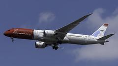 G-CKMU_JFK_Landing_31R_Babe_Ruth (MAB757200) Tags: norwegianairuk b7879 gckmu baberuthamericanathlete aircraft airplane airlines airport jetliner jfk kjfk boeing landing runway31r