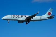 C-FFYG (Air Canada express - Sky Regional) (Steelhead 2010) Tags: aircanada aircanadaexpress skyregional embraer emb175 yyz creg cffyg