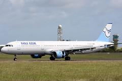 F-GUAA_01 (GH@BHD) Tags: fguaa airbus a321 a321200 aigleazur dub eidw dublinairport dublininternationalairport dublin aircraft aviation airliner