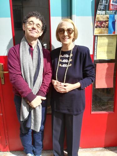 io e Franca Peracchi davanti la biblioteca della Pigna